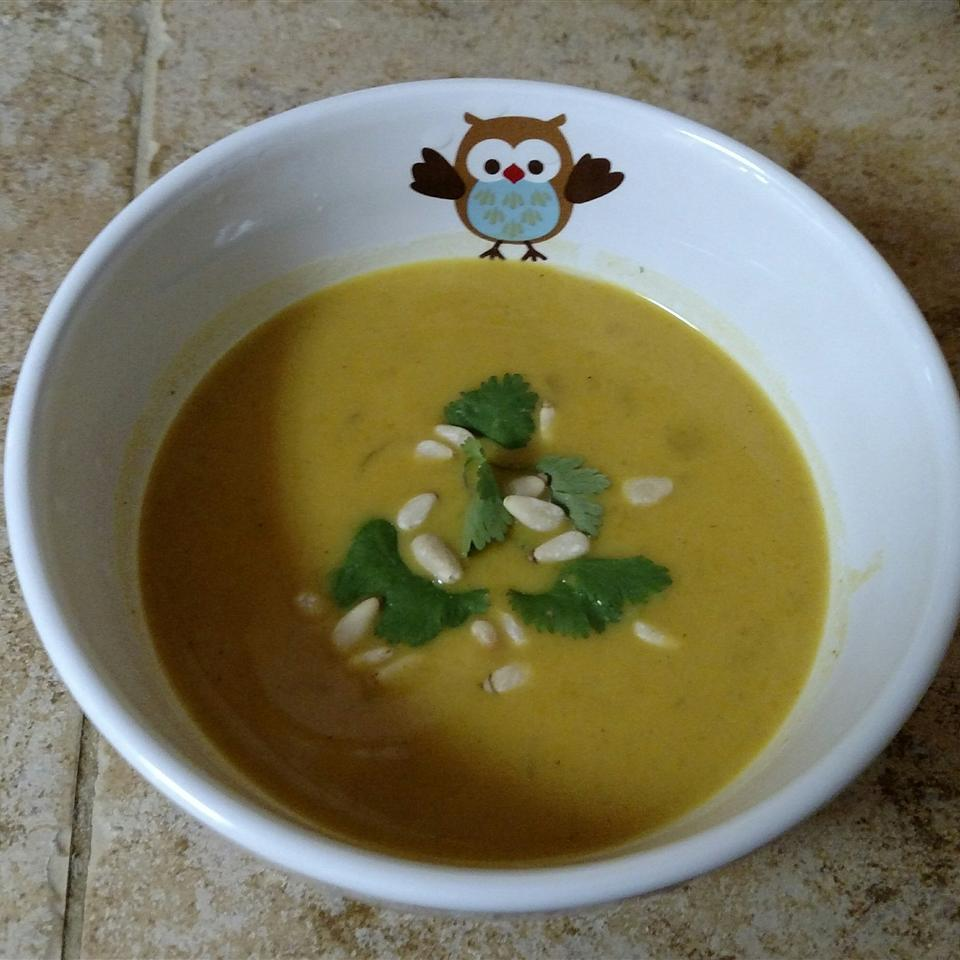 Curried Butternut Squash and Apple Bisque babydollautumn
