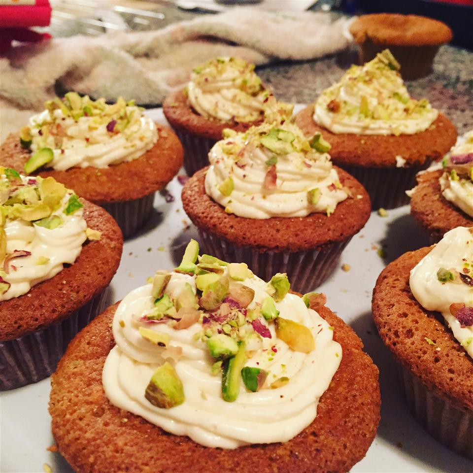 Real Pistachio Cupcakes nmendillo