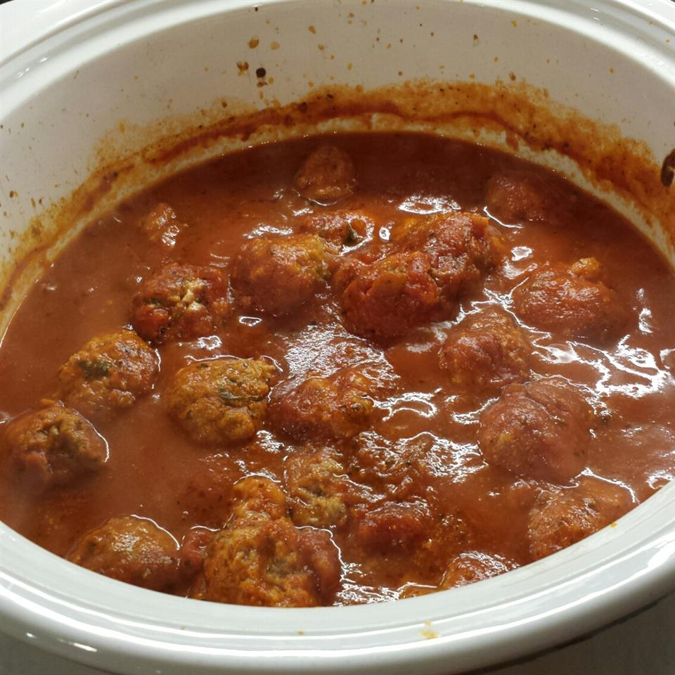 Slow Cooker Mozzarella-Stuffed Turkey Meatballs vicki936
