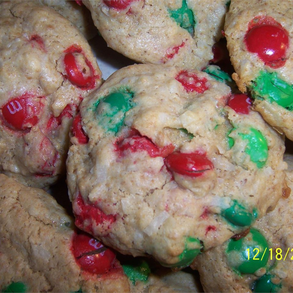 Delicious Christmas Cookies Lynn Newton