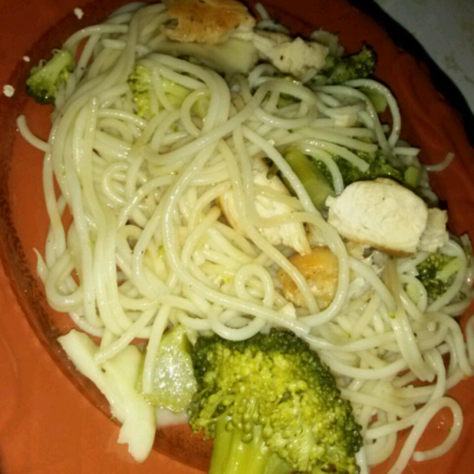 Spaghetti with Broccoli and Chicken Margaret A Davis