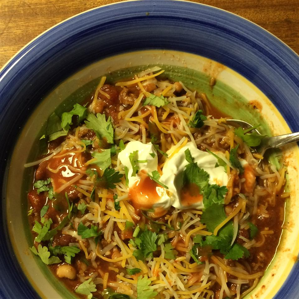 Spicy and Thick Turkey Chili Laura