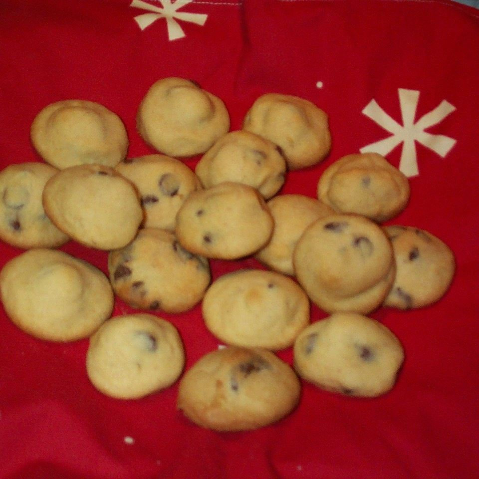 Chocolate Chip Kiss Cookies donna