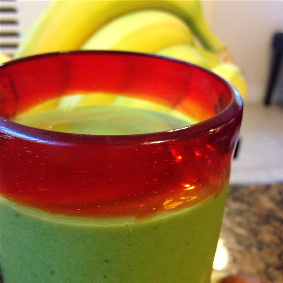 Banana, Avocado, and Spinach Smoothie What you cooking Willis?