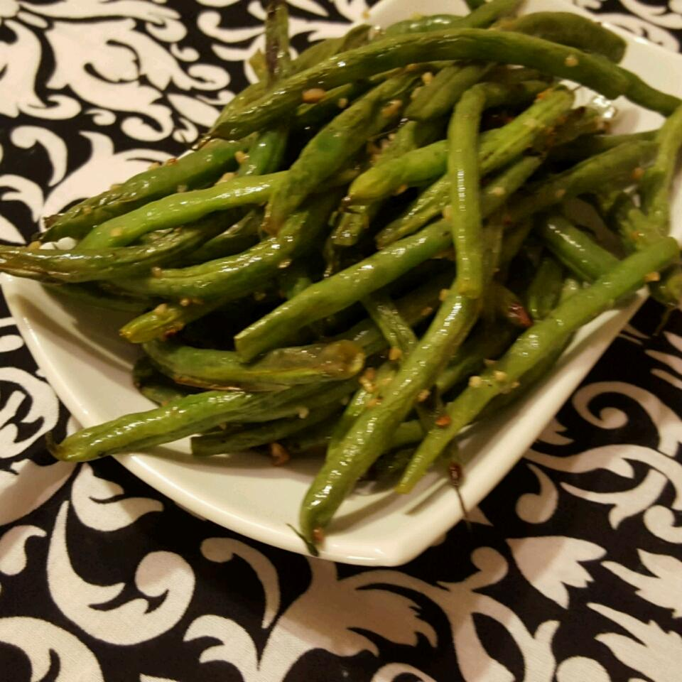 Simple and Tasty Green Beans Rae