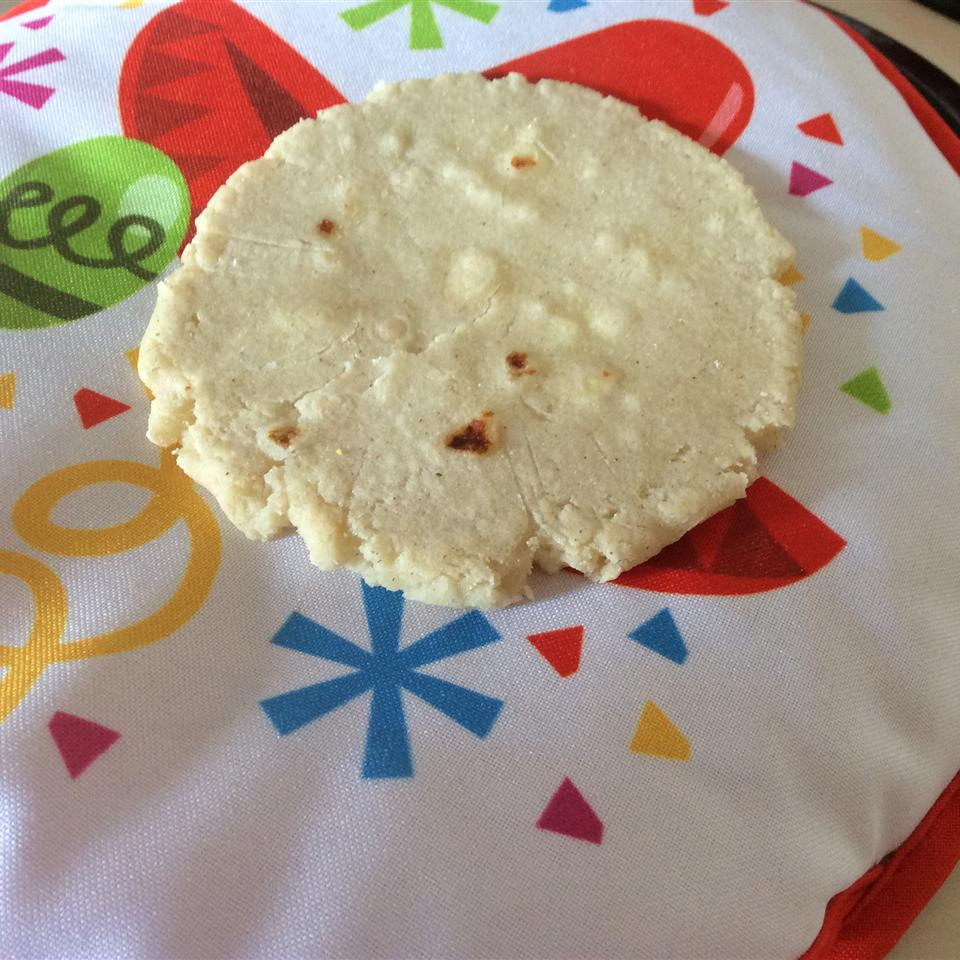 Pupusas de Queso (Cheese-Stuffed Tortillas)