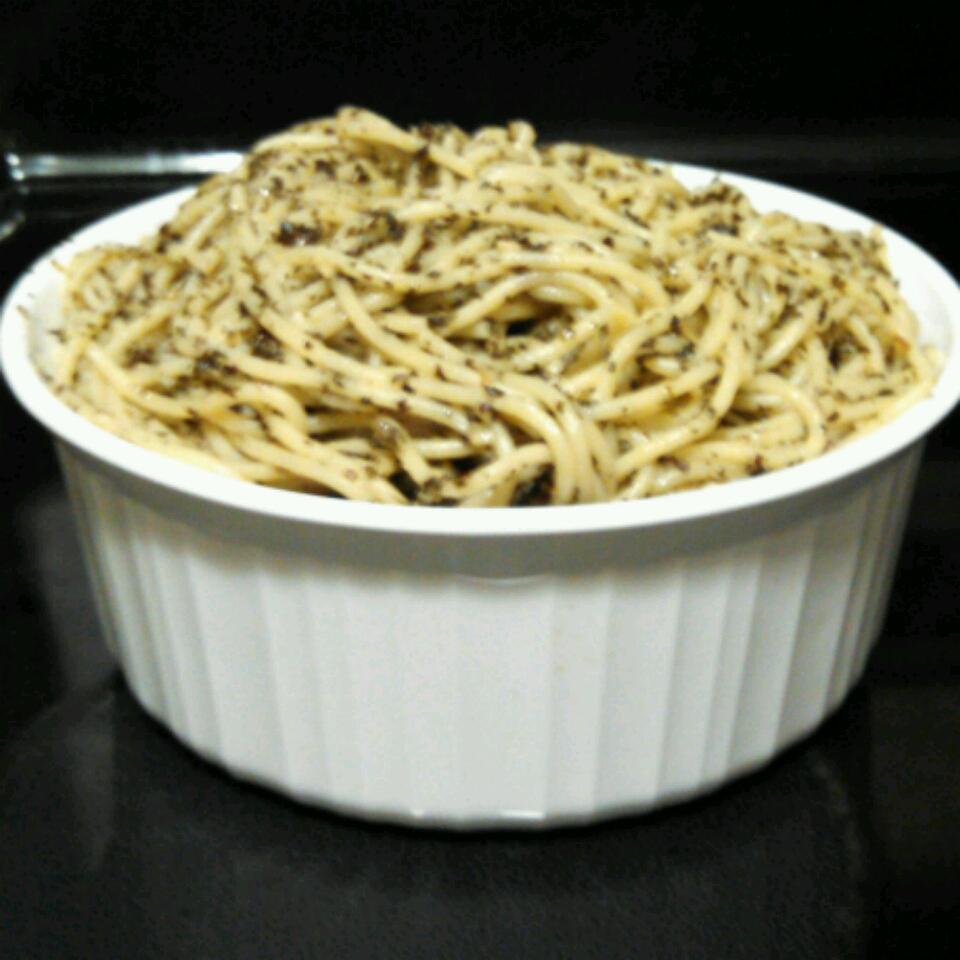 Spaghetti with Garlic and Basil michele