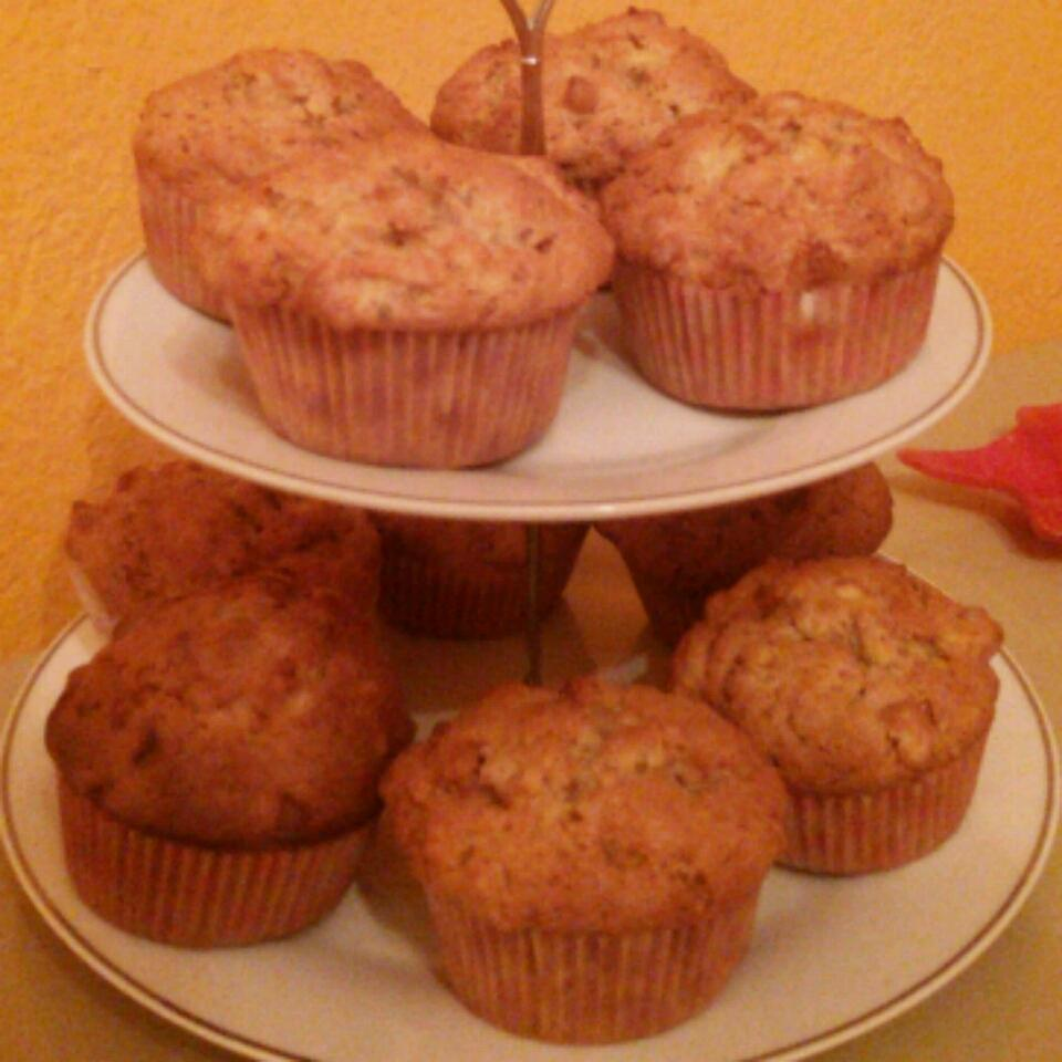 Hunnybunch's Special Apple Muffins MariaP
