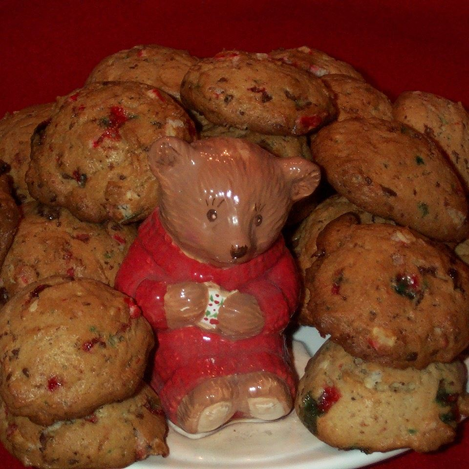 Candy Cane Chocolate Chunk Cookies donna