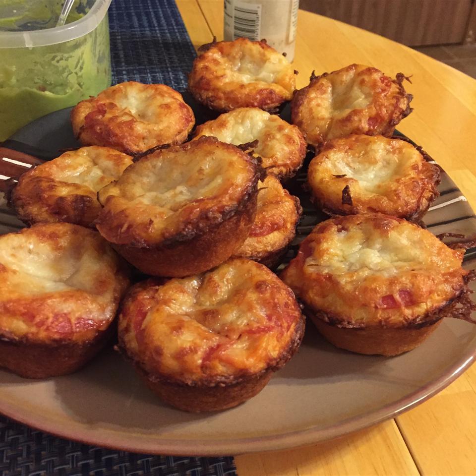 Easy Pepperoni Pizza Muffins k.schiro3