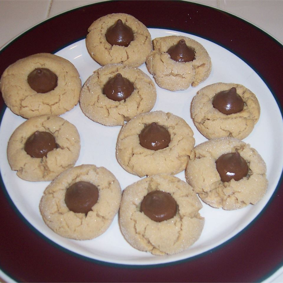 Easy Peanut Blossoms SometimeCook
