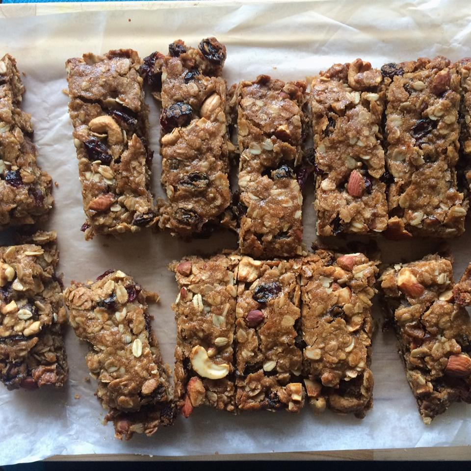 Gingerbread Granola Bars brewmama-4