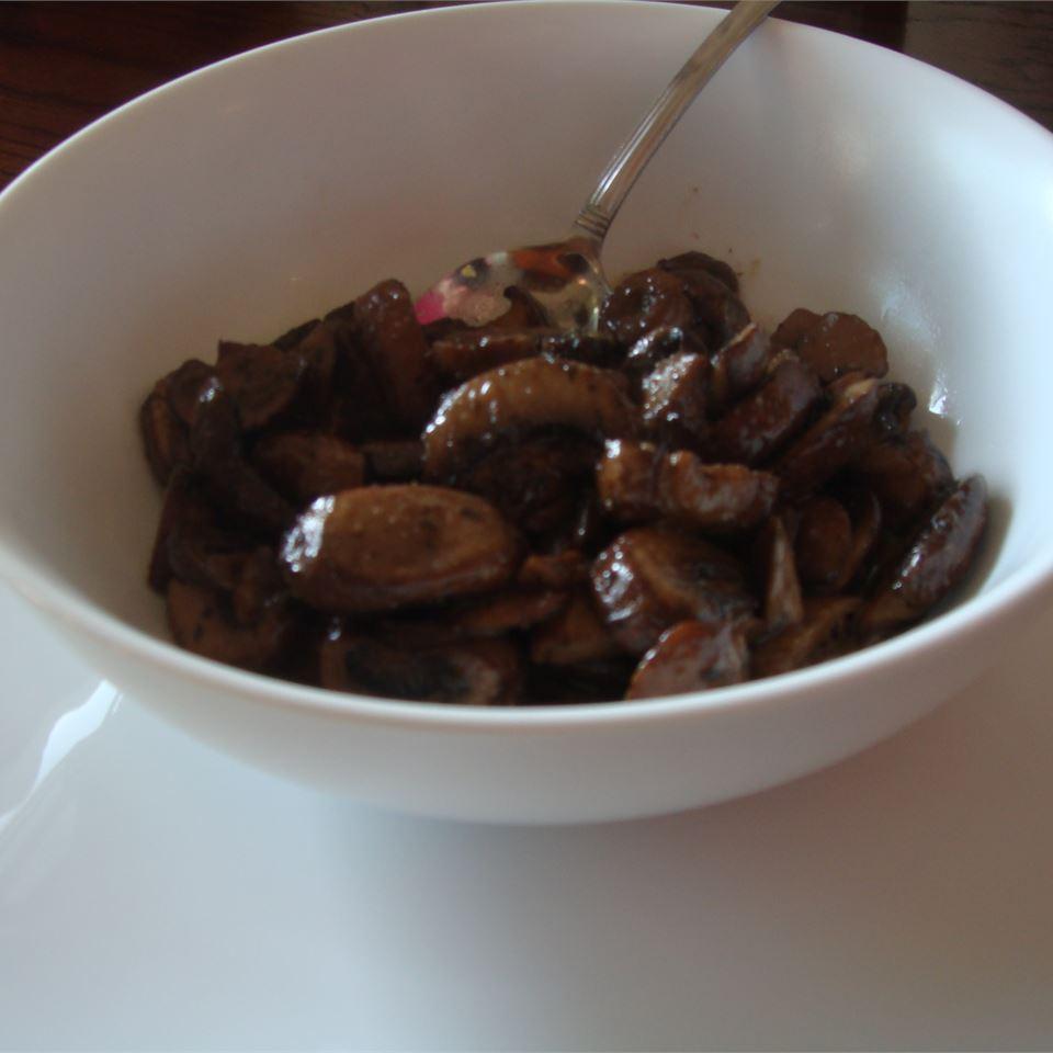 Sauteed Mushrooms in Garlic House of Aqua