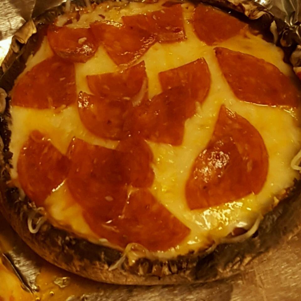 Personal Portobello Pizza Eliany Salazar