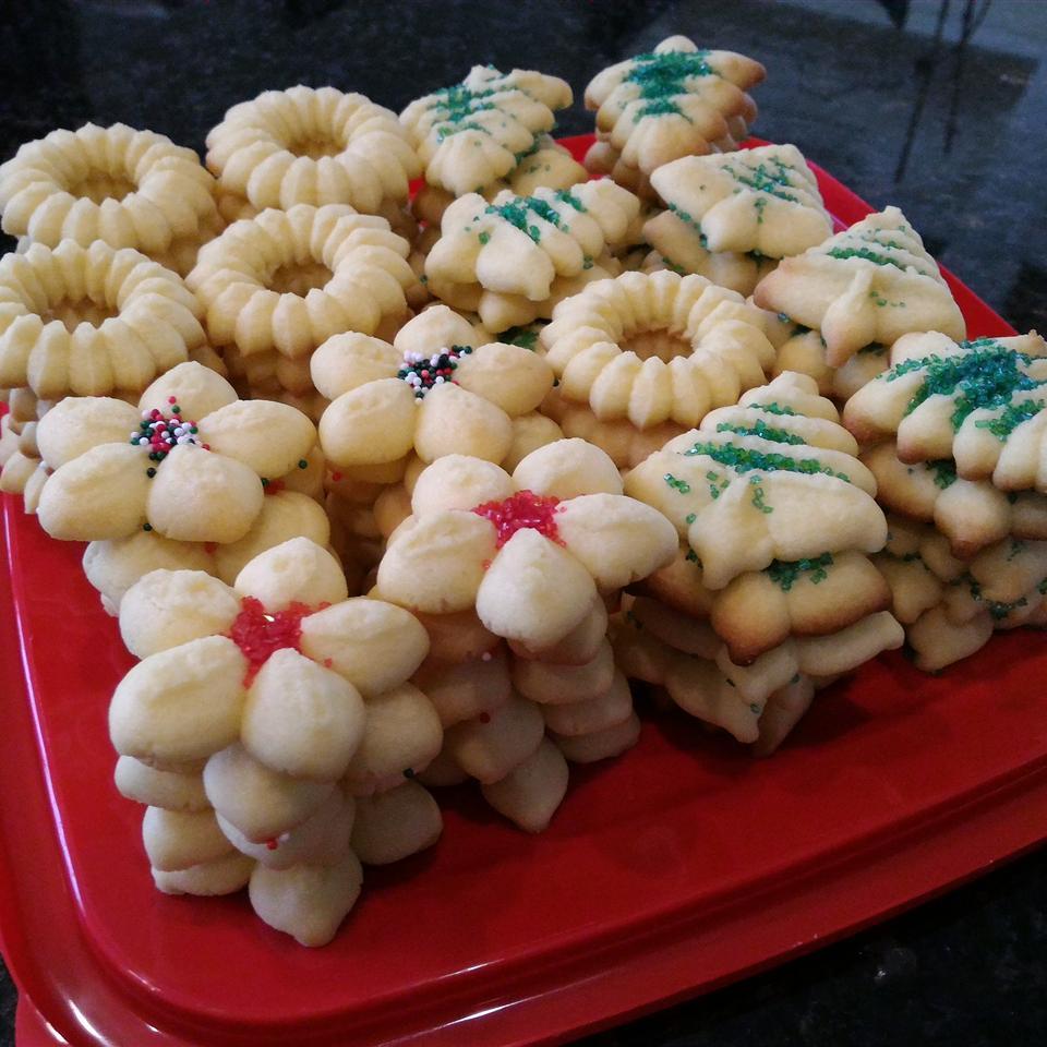 Spritz Cookies II Lesley Lombardo