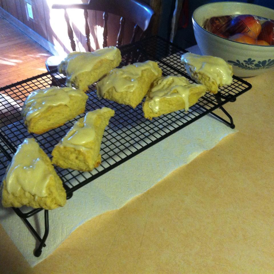 Amazing Lemon Scones Zeshan