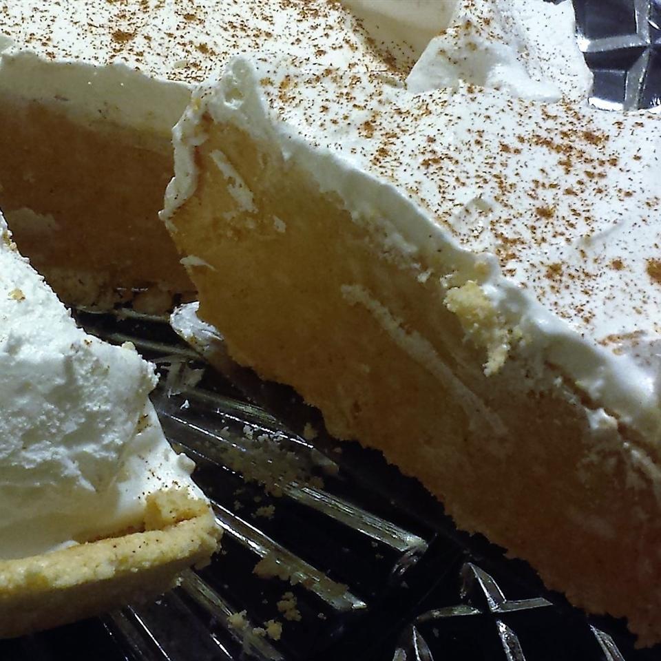 No-Bake Pumpkin Cheesecake Pie Carrie C.