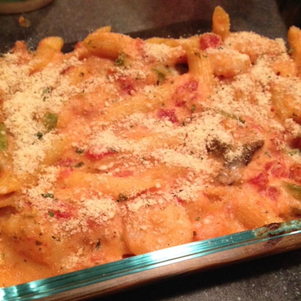 Cheesy Shrimp Alfredo Bake