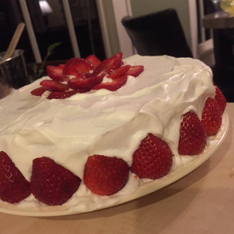 Whipped Cream Cake II caitlyn