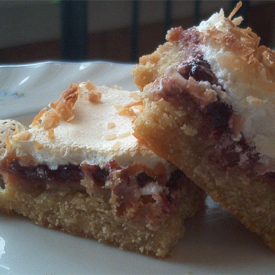 Almond-Raspberry Meringue Bars