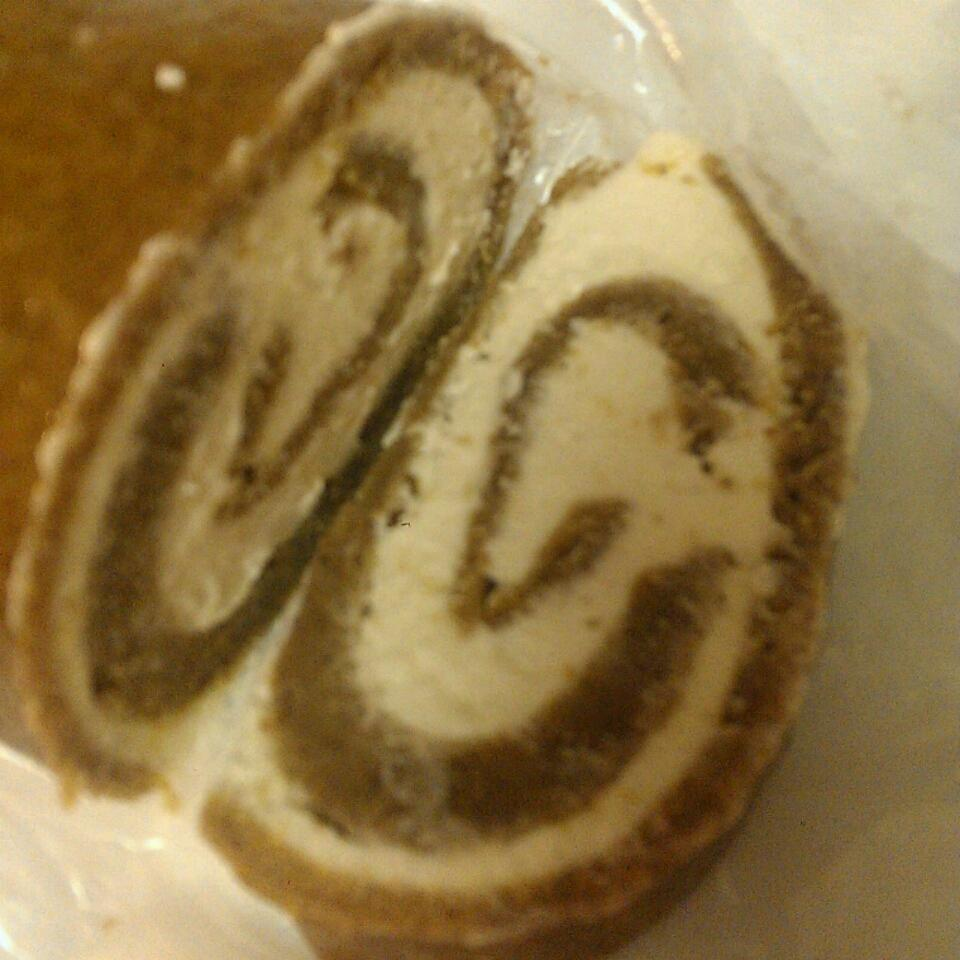Pumpkin Roll with Cream Cheese Frosting D0ubleBubble