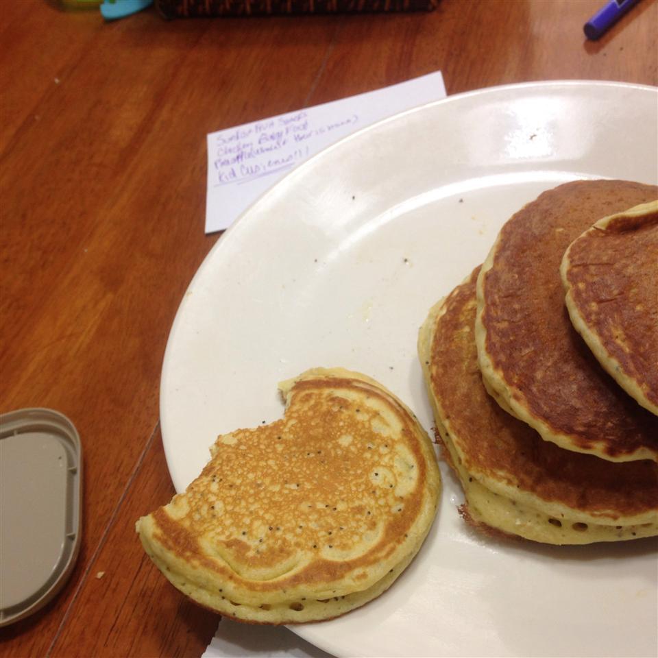 Sunday Morning Lemon Poppy Seed Pancakes emisheah