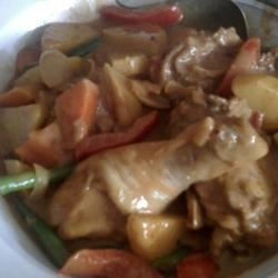 Filipino-Style Chicken Curry