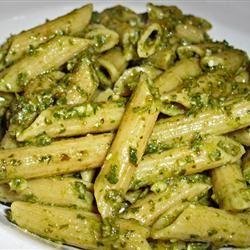 Simple Garlic and Basil Pesto SnowInSummer
