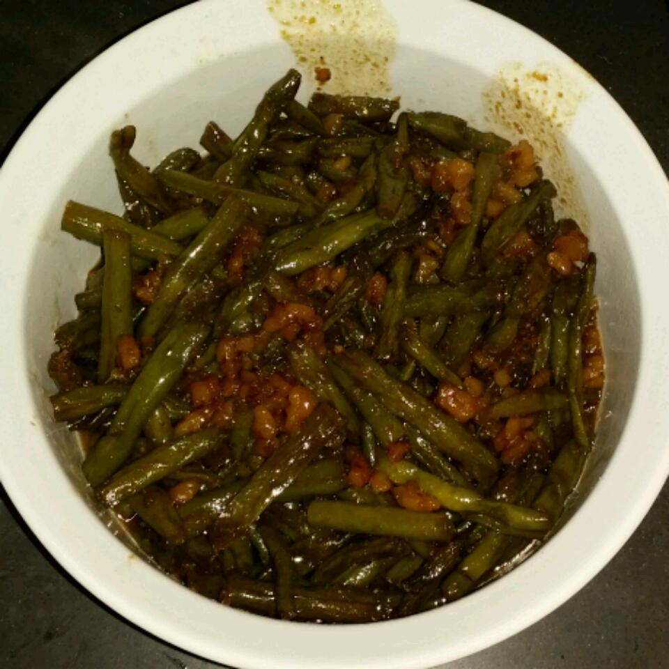 Caramelized Green Beans with Walnuts jayceeboyer