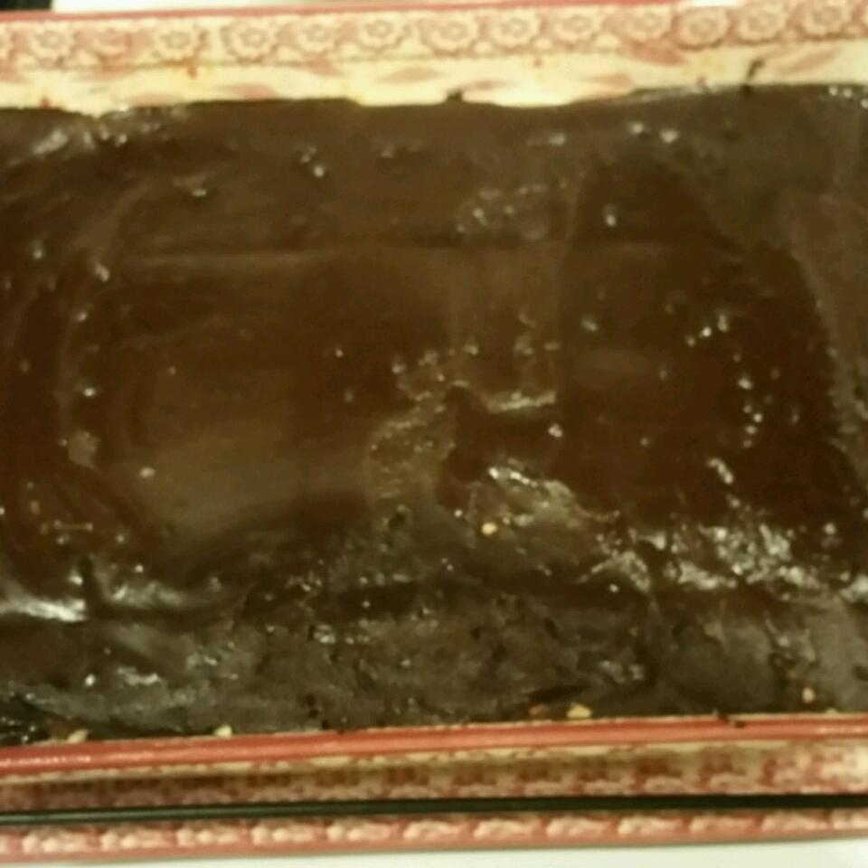 No-Bake Chocolate Eclair Cake