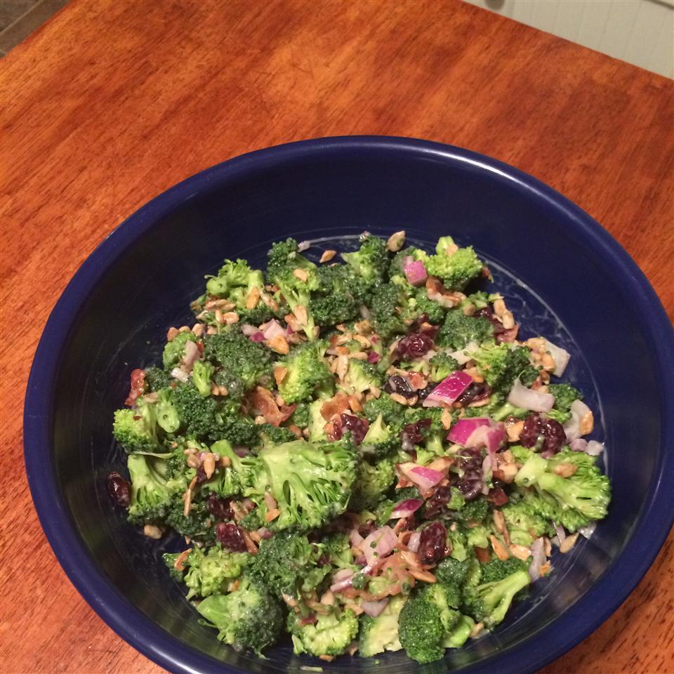 Broccoli Cranberry Salad HappyChief