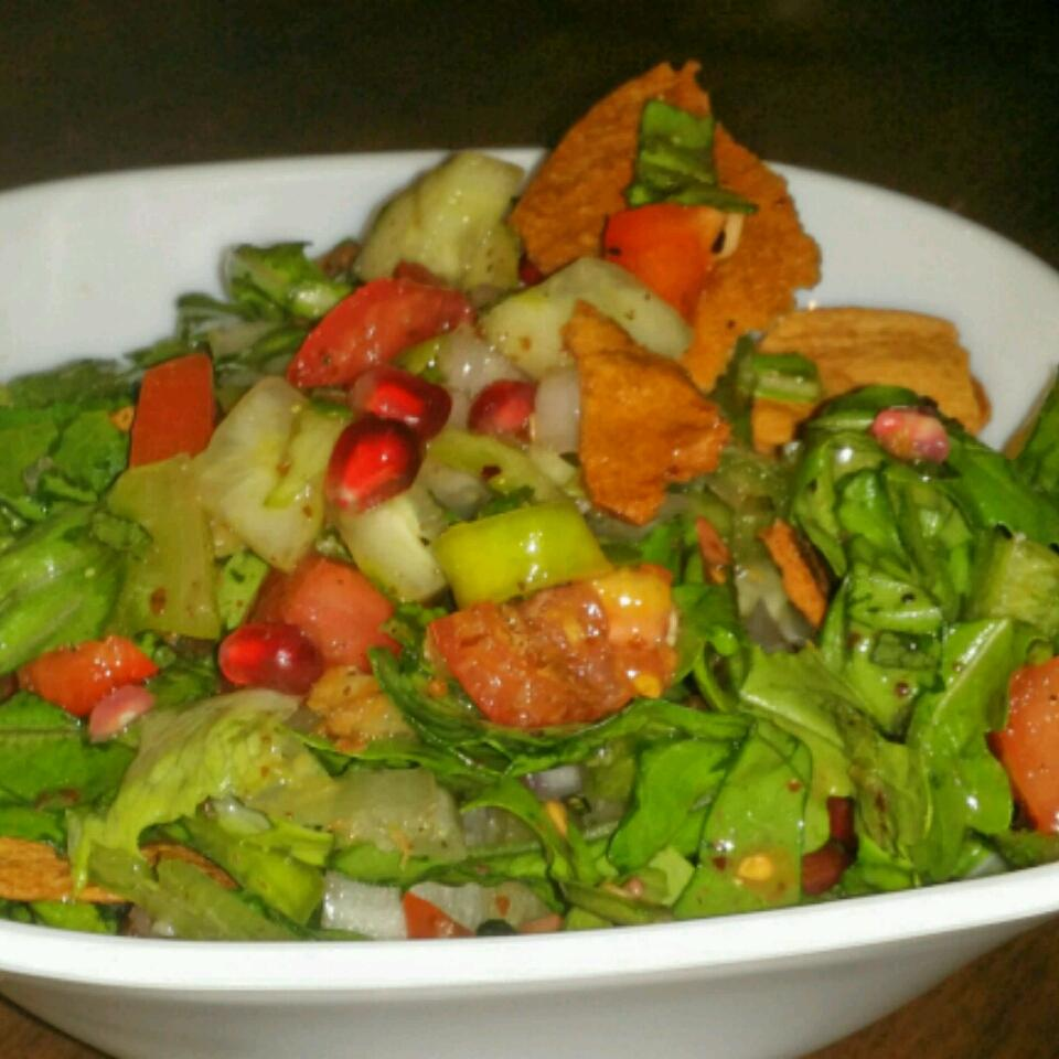 Authentic Lebanese Fattoush bee