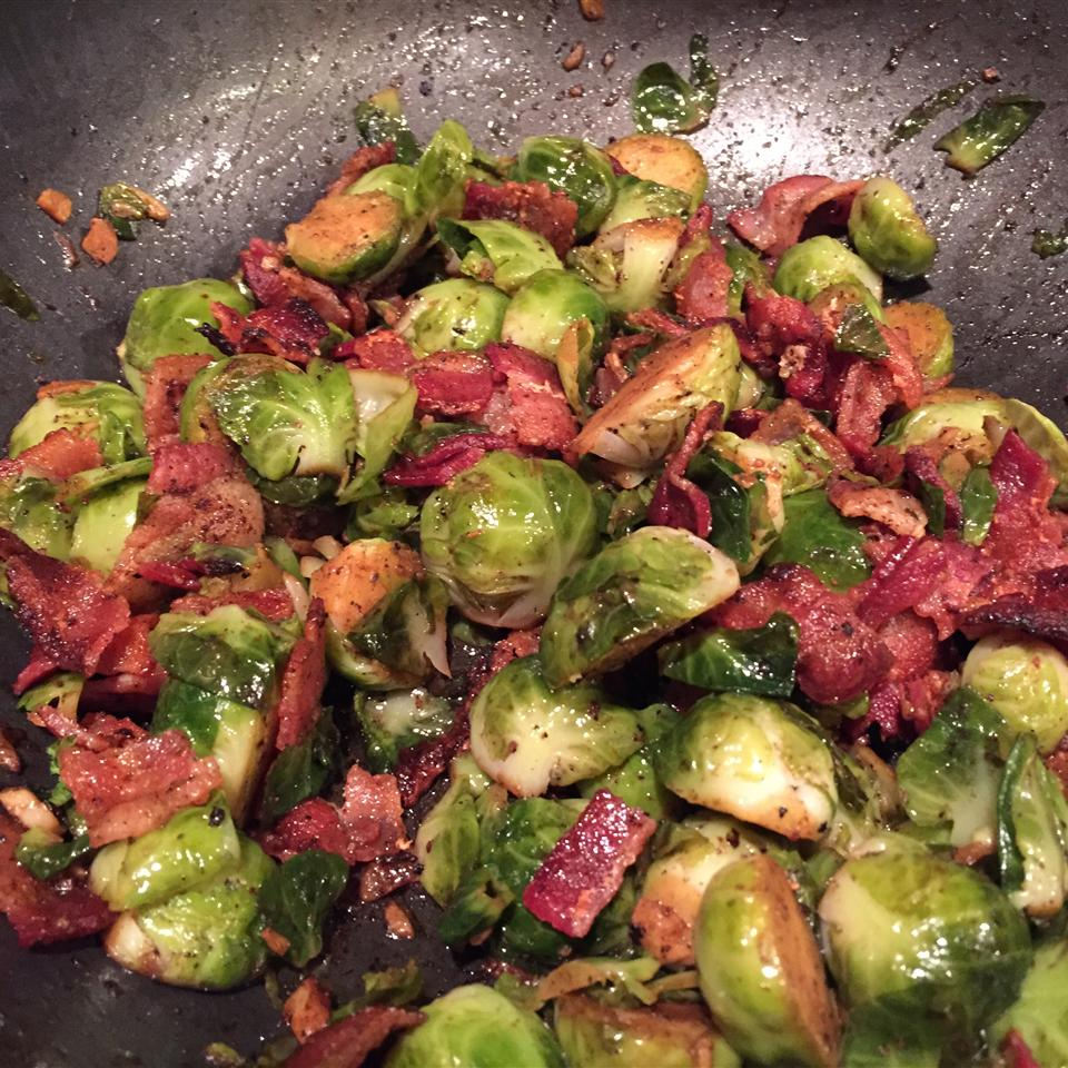 Garlic Brussels Sprouts with Crispy Bacon Nicole