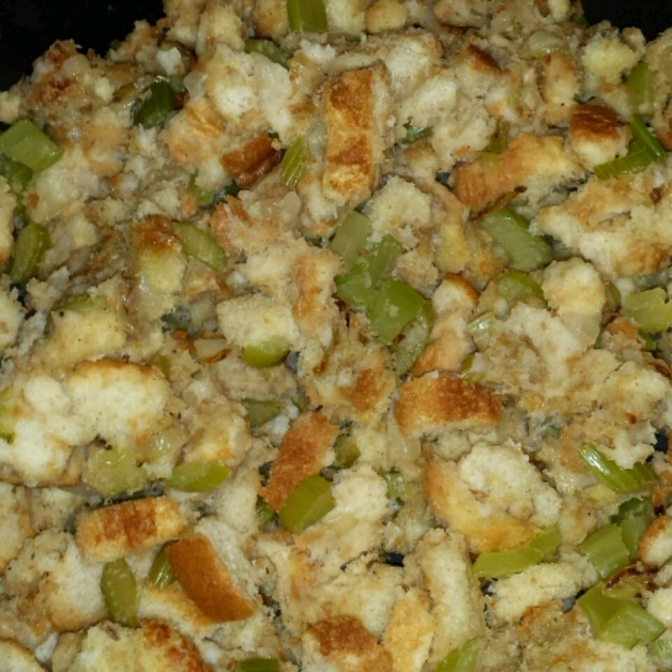 Bread and Celery Stuffing Cindy Short