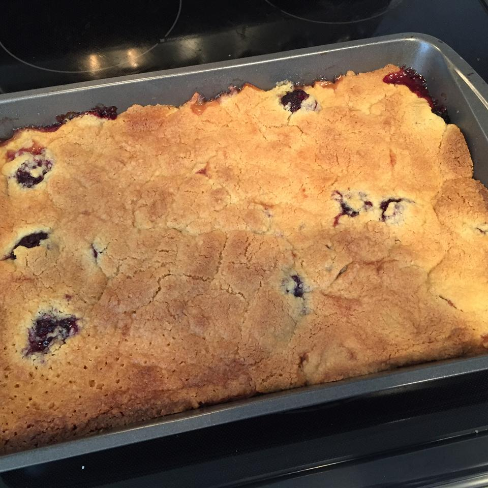 Easy Apple, Pear, and Blackberry Crumble tommyetw