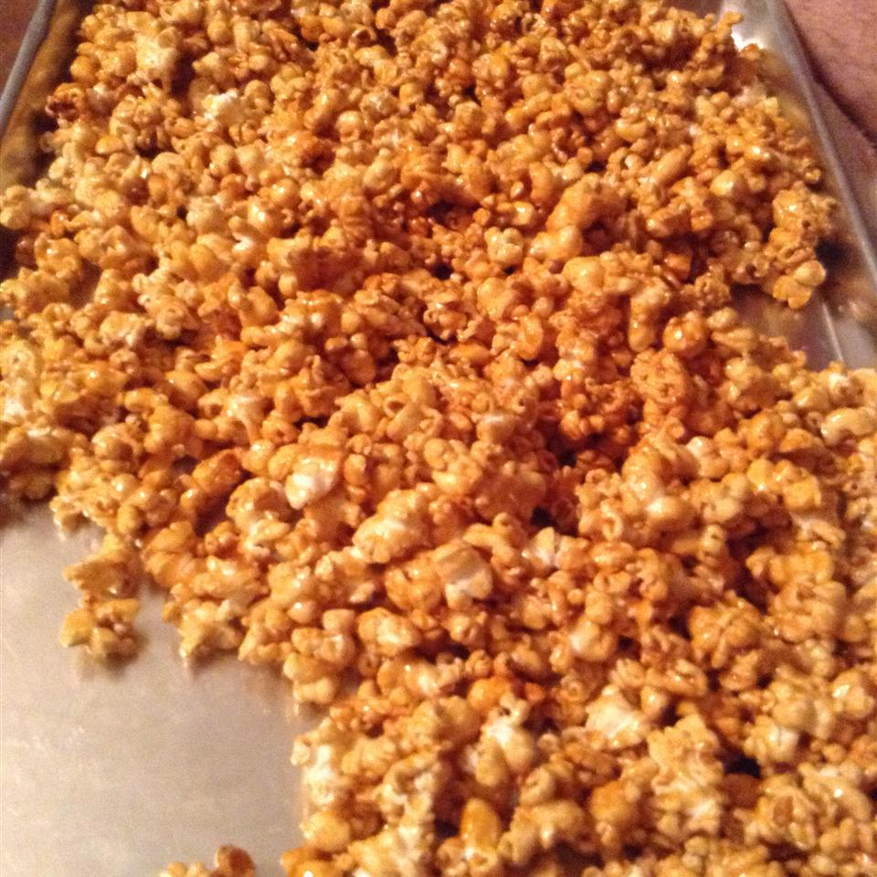 Microwave Caramel Popcorn feebs
