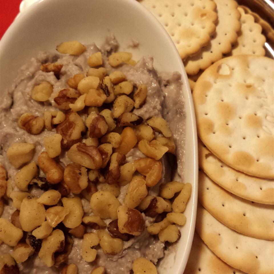 Blue Cheese, Port, and Walnut Spread Christine L.