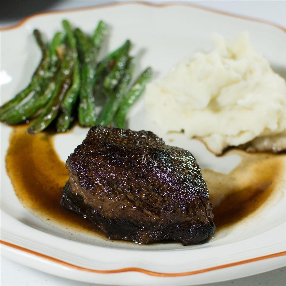 Filet Mignon with Rich Balsamic Glaze