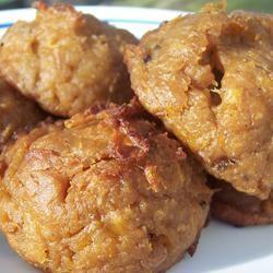Bolas de Mani (Peanut and Plantain Balls)