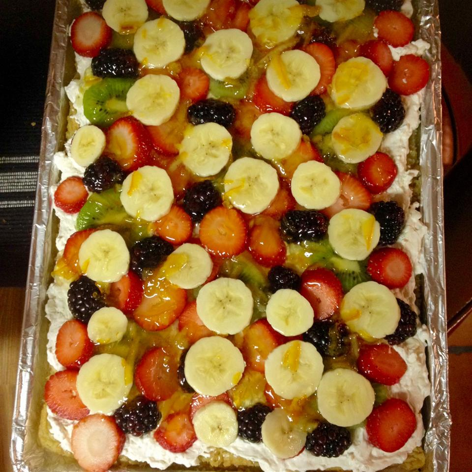 Simple Fruit Pizza ropeitjohnson