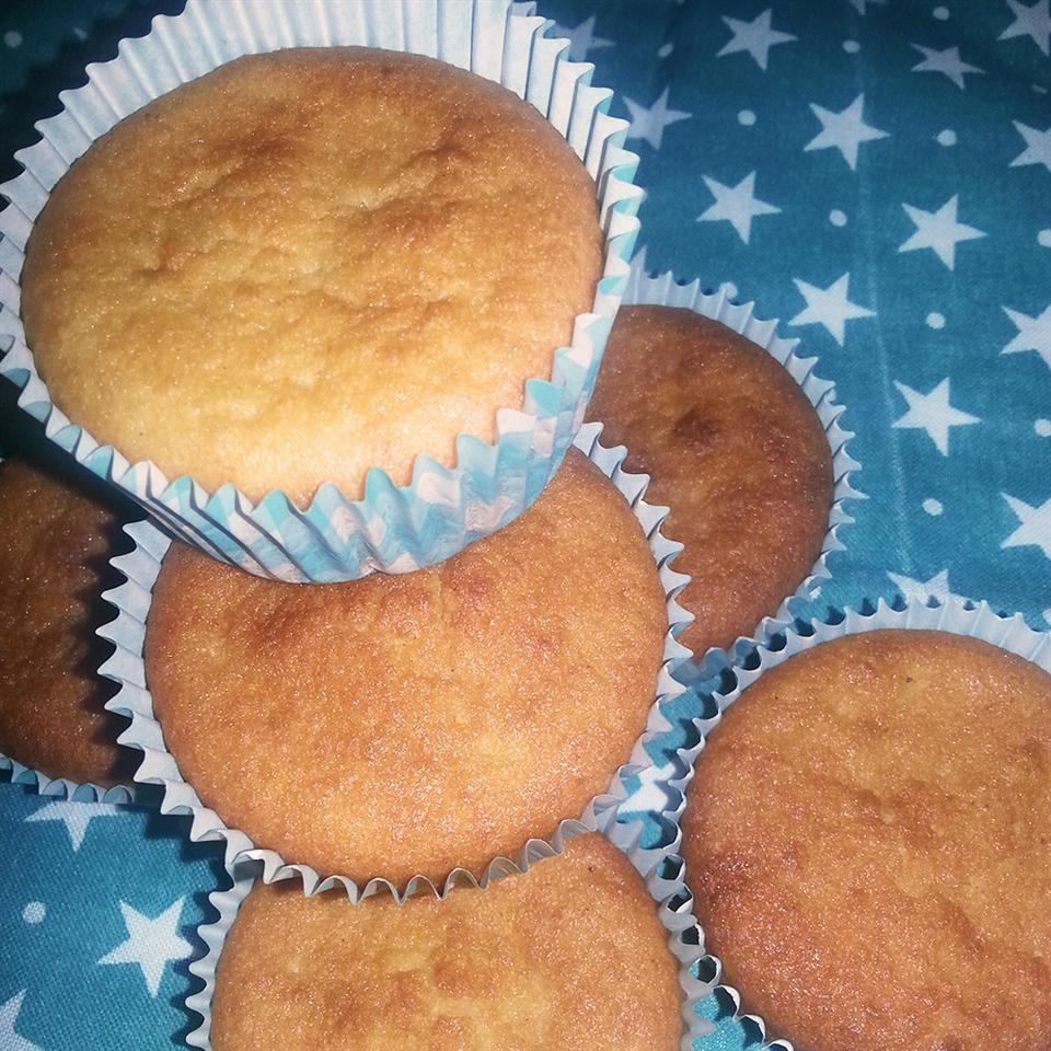 Apple and Coconut Milk Cupcakes