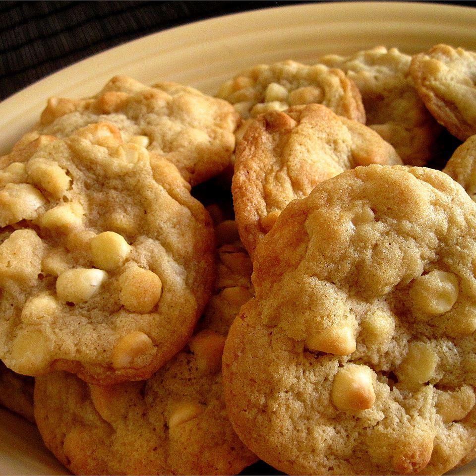 White Chocolate Macadamia Nut Cookies III_image
