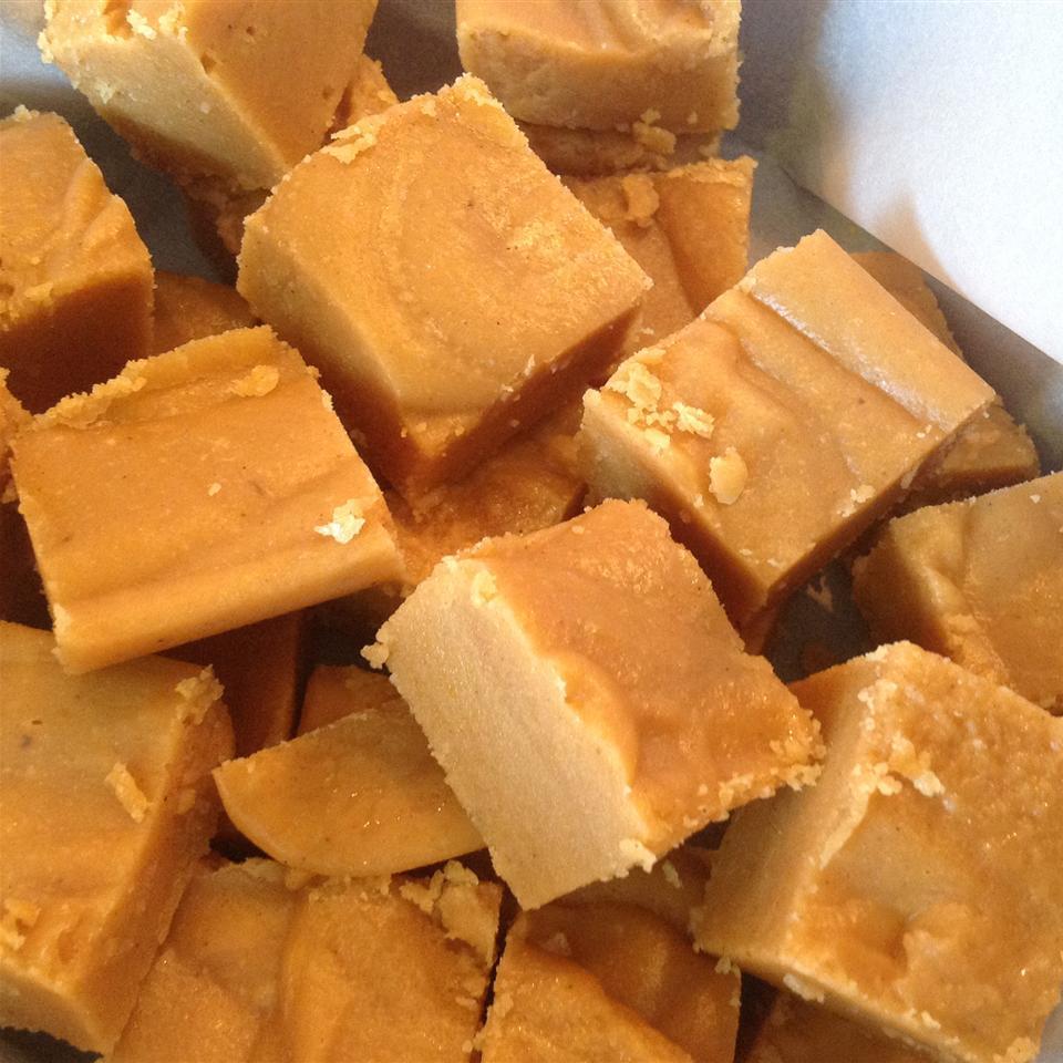 Old-Fashioned Pumpkin Fudge