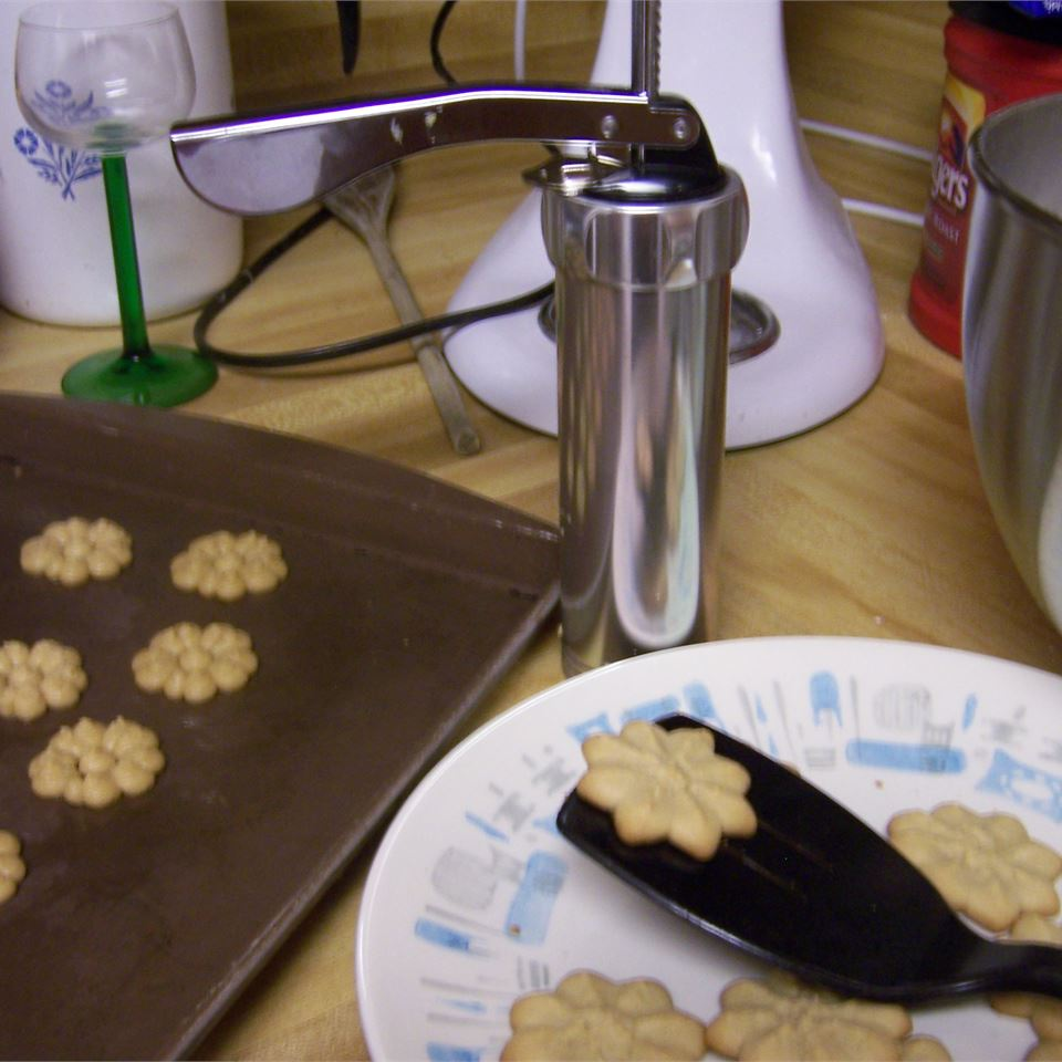 Melt In Your Mouth Peanut Butter Cookies Jennifer McClanahan