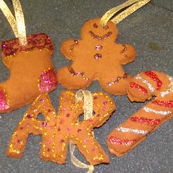 Scented Applesauce-Cinnamon Ornaments ~*Morgan*~