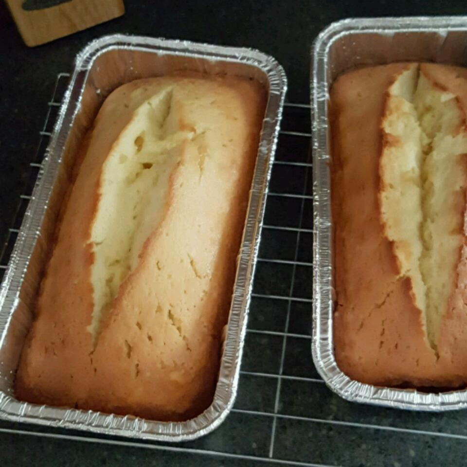 Grandmother's Pound Cake II janetpg