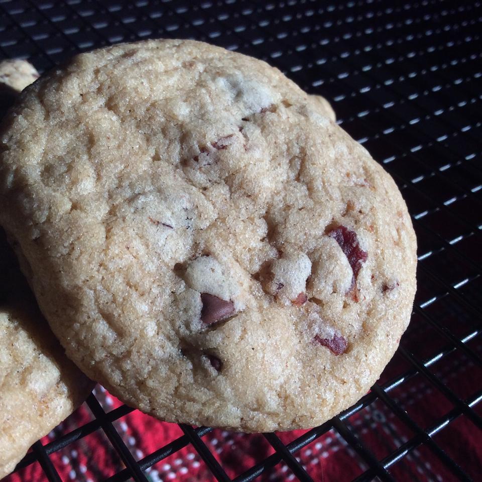 Maple-Bacon Chocolate Chip Cookies DebaDo