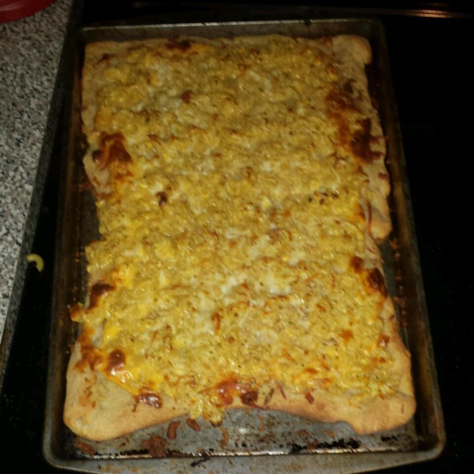 Mac-N-Cheese Pizza natrian