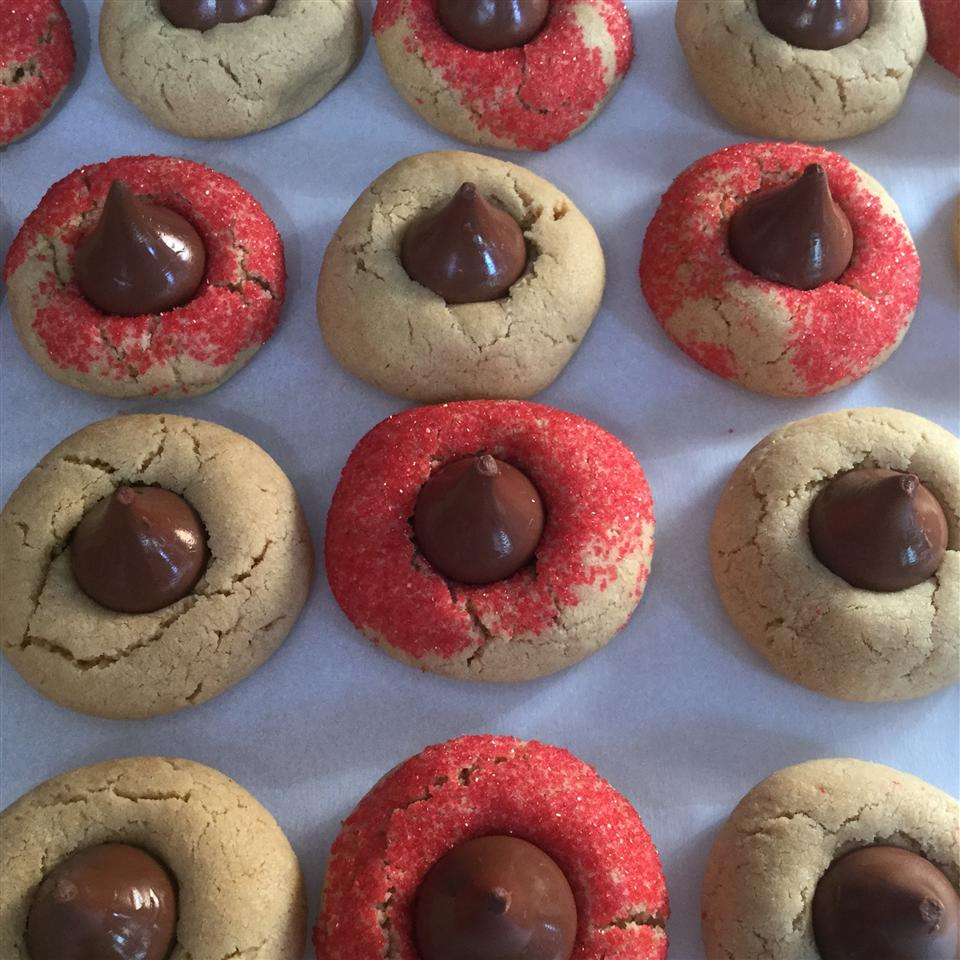 Mom's Peanut Butter Blossom Cookies Dmcoulombe