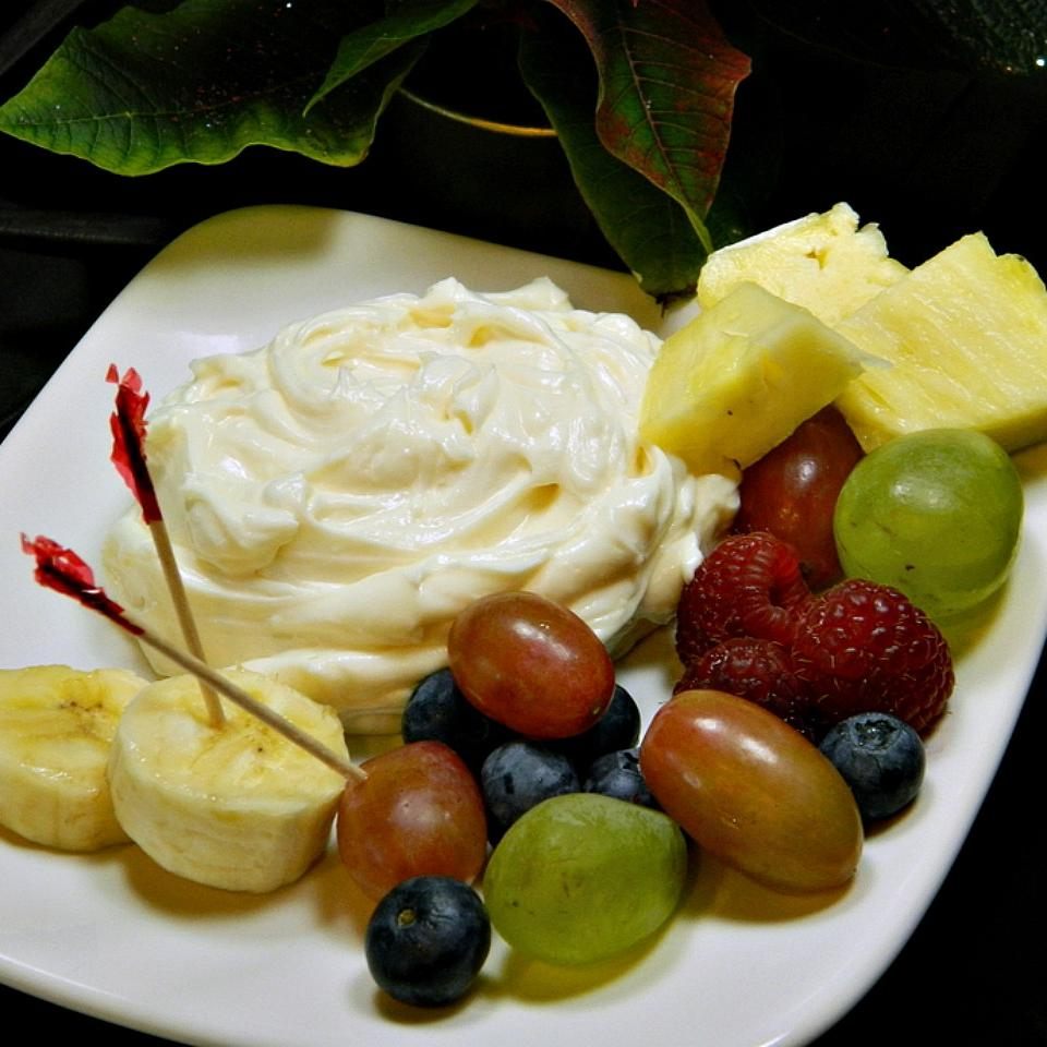Lemony Cream Cheese Fruit Dip